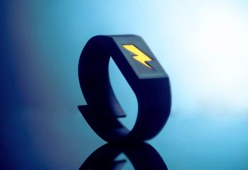 pavlok, le bracelet avec electrochoc