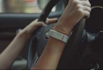 olive bracelet stress voiture