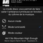 Parmi les modes proposés, le mode luminosité fait varier l'intensité lumineuse selon la musique. Tandis que le mode couleur fait varier les couleurs selon la musique.